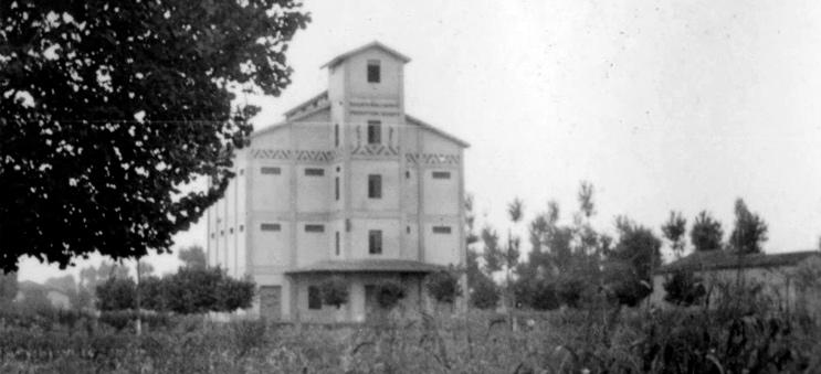 1933's granary silos
