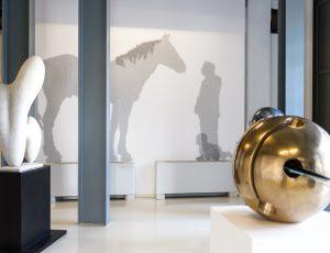 Piano 0, Veduta della sala della scultura con opere di: L.Viani, M.Martinelli, A. Pomodoro