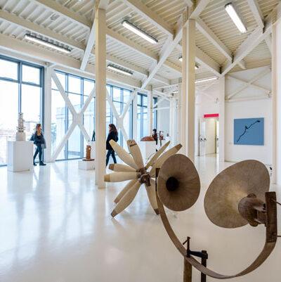 Piano 2, Veduta della sala della scultura con opere di G. Guidi